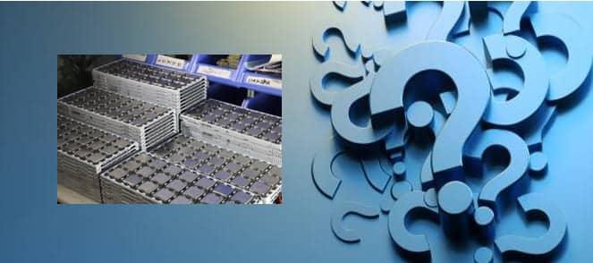 signos interrogacion azul y bandejas procesadores xeon
